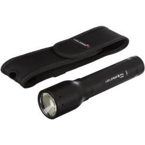 Die LED Lenser P14 wird mit einer praktischen Gürteltasche ausgeliefert